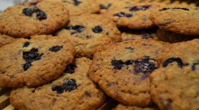 Mustikkasuklaa-cookiet
